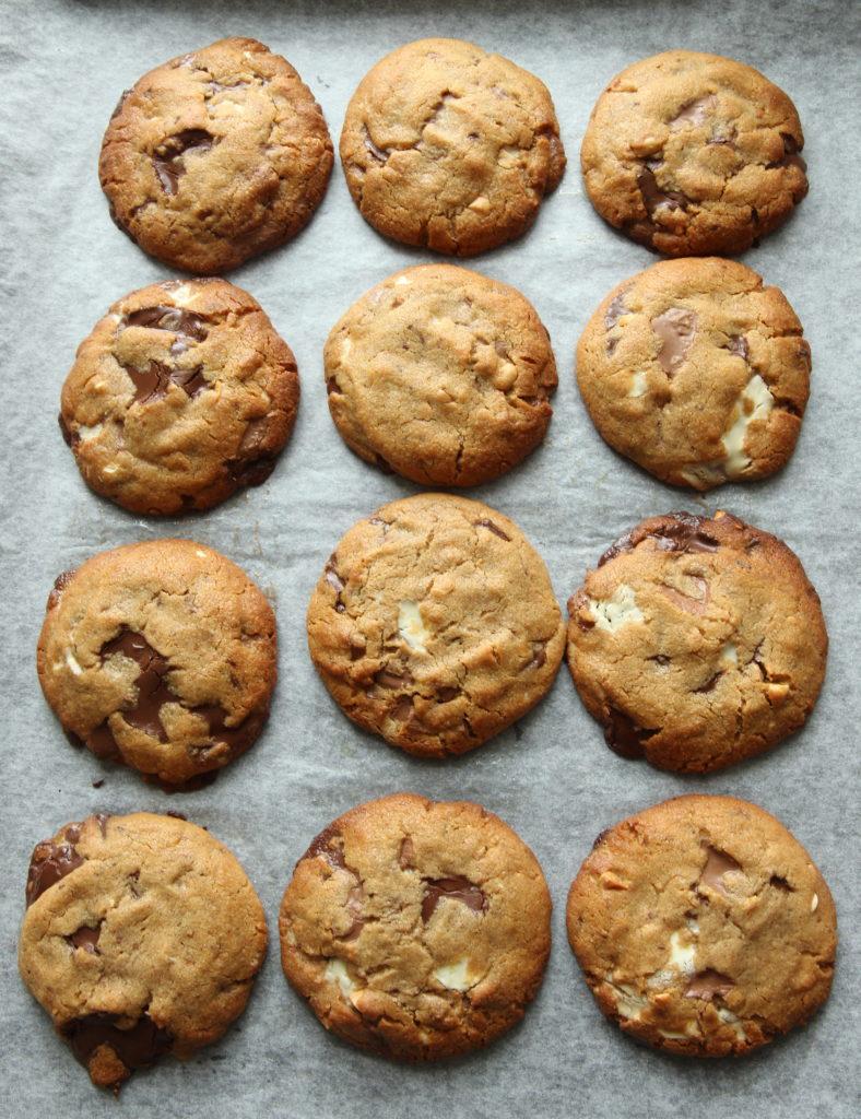 8270a2510 Cookies med sjokolade og peanøtter - Krem.no